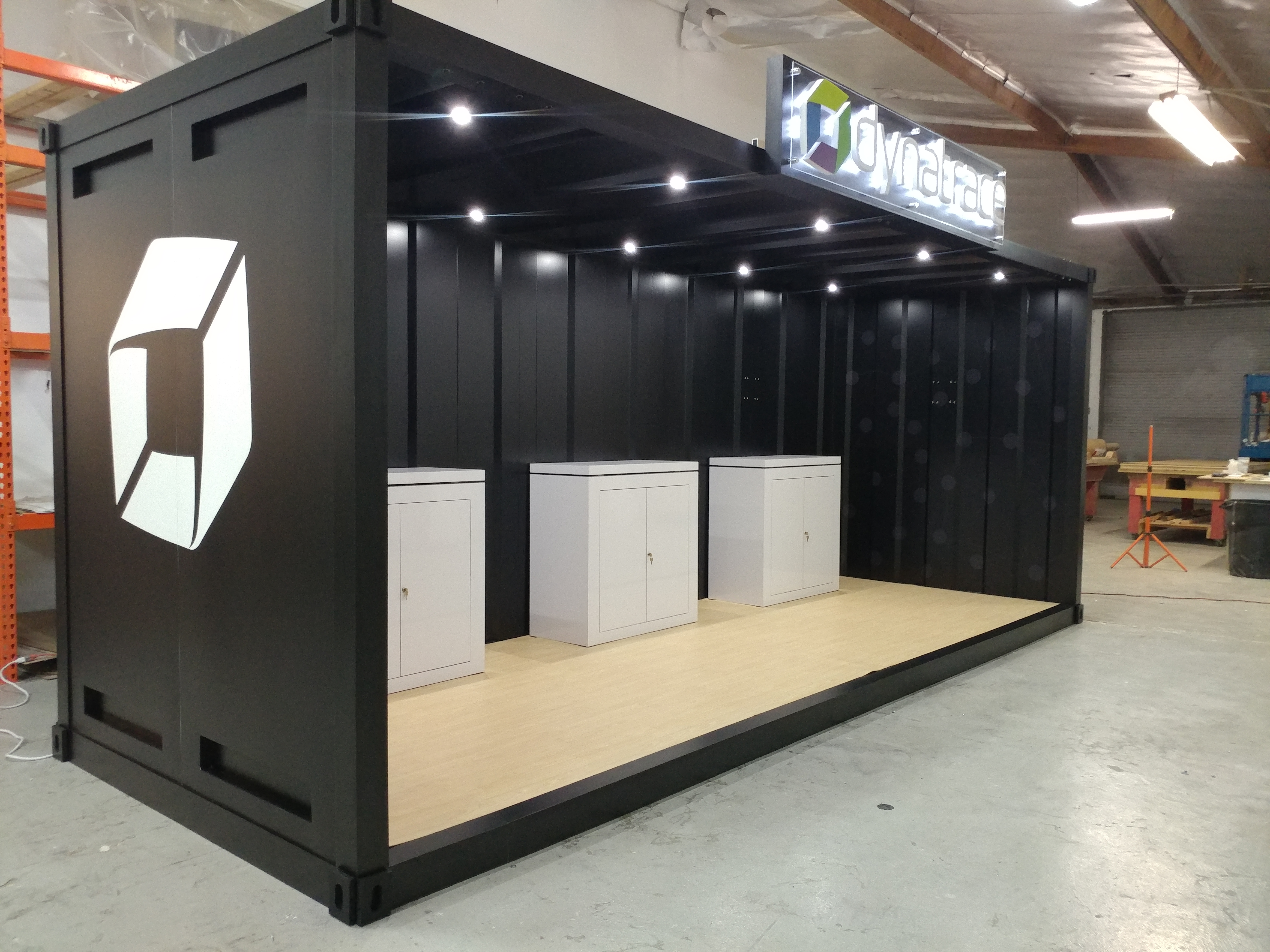 /custom-trade-show-booth-10x10-10x20-container-aws-1